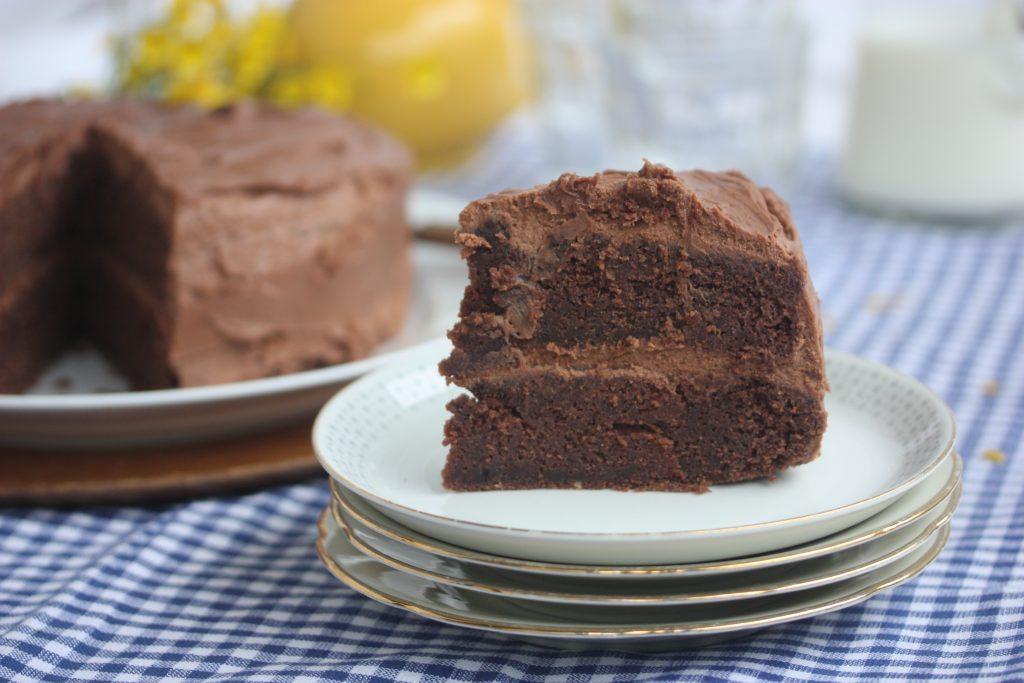 sjokoladekake med rømme liten langpanne
